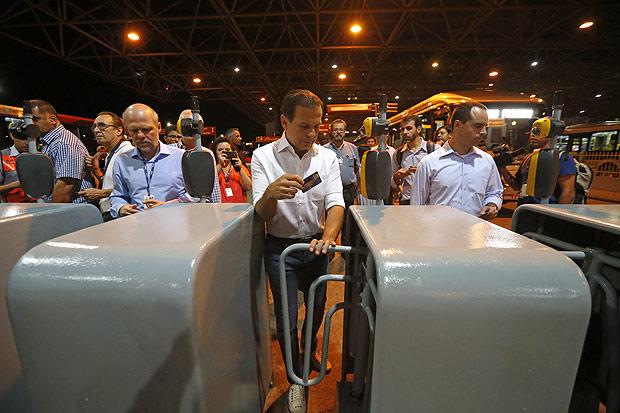 João Doria também afirmou que considera como acerto a decisão de congelar a tarifa de ônibus neste ano em R$ 3,80.
